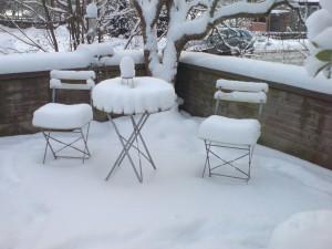 Dicke Schneekissen laden ein Platz zu nehmen